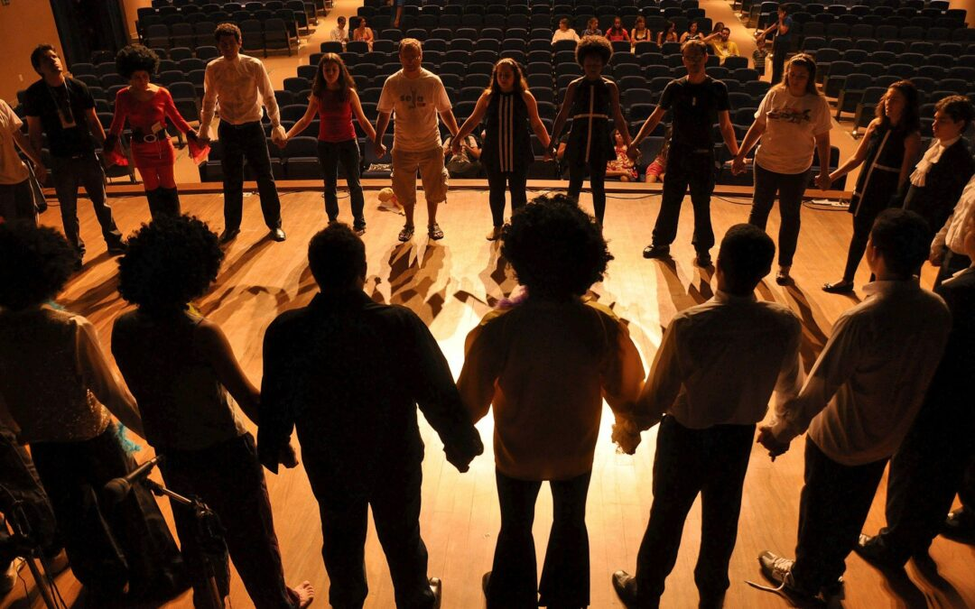 Social and work integration through theatre